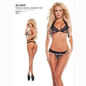 New peek a boo by Starline lingerie set